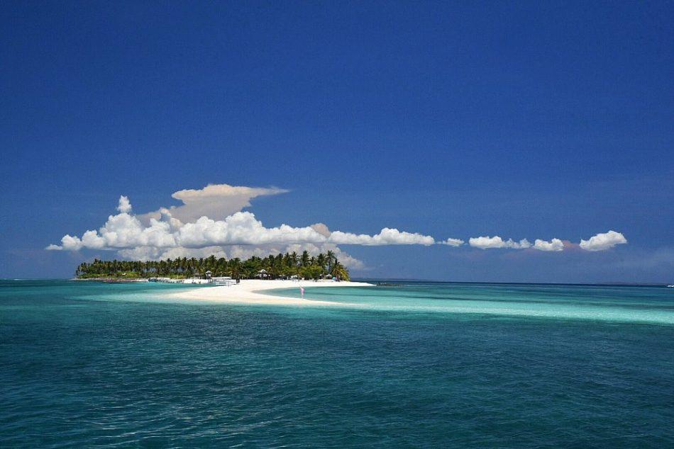 Calanggaman-Island-near-Malapascua2